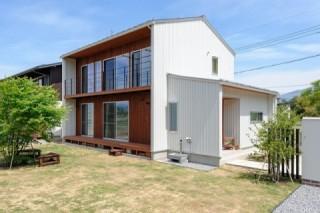 中野市 注文住宅 三角屋根の白い家